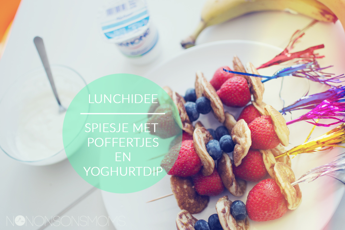 lunchidee - spiesjes met poffertjes, vers fruit en yoghurtdip