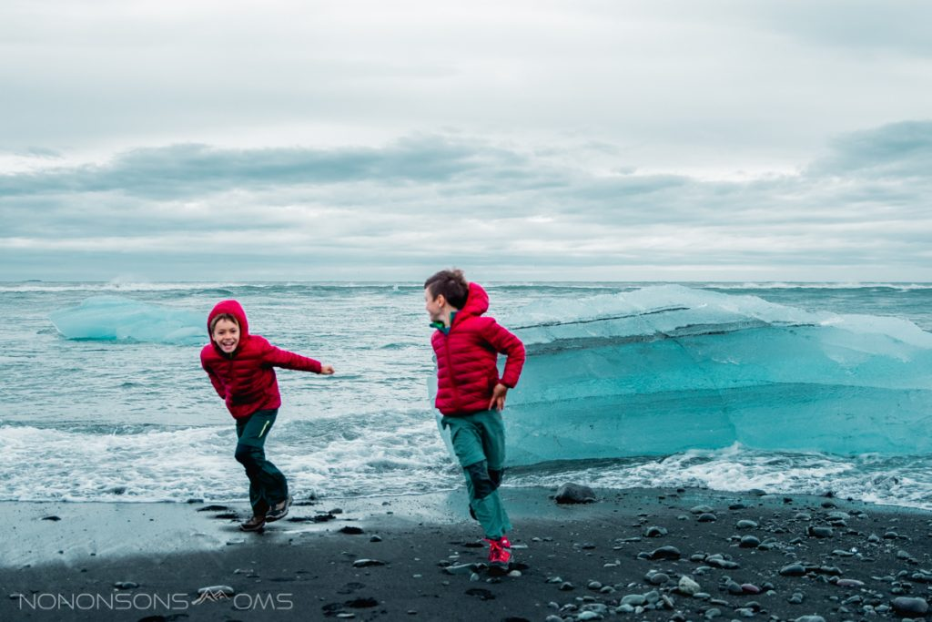 diamond beach - roadtrip ijsland met kinderen