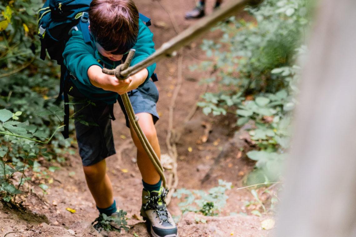 avontuurlijk wandelen met kinderen in Marche-Les-Dames Ardennen België